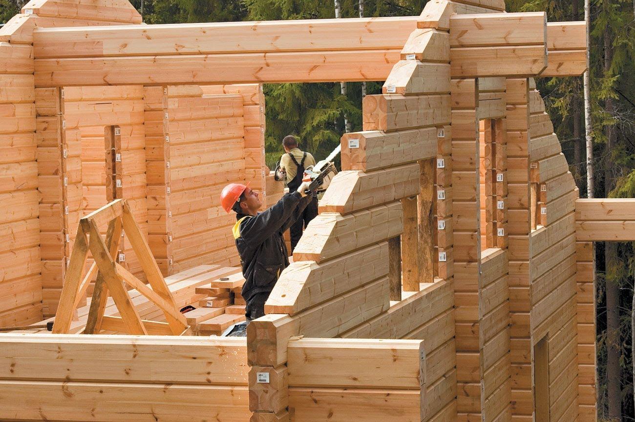 Выгодно ли самому строить деревянный дом