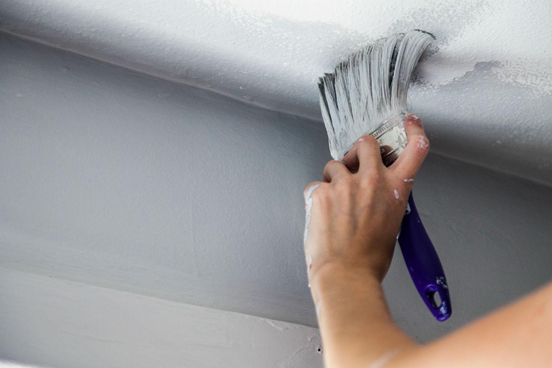 Подготовка и окрашивание потолка