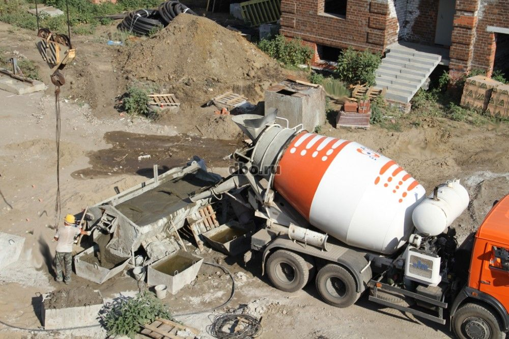 Безопасность при доставке цемента и бетона